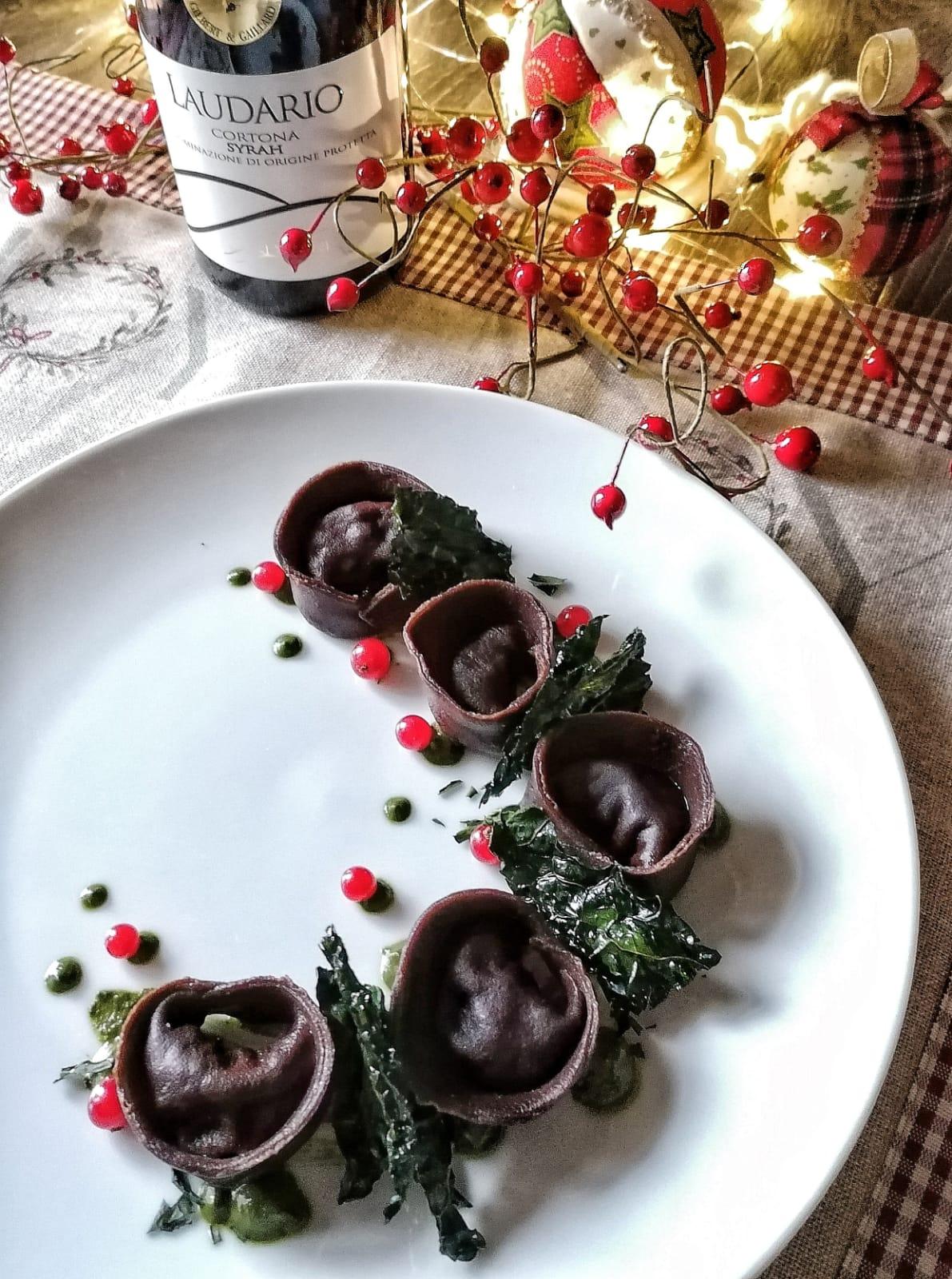 Tortelli al cioccolato con cinghiale al Syrah
